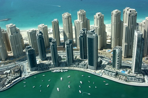 looking_at_overseas_luxury_property_dubai_marina