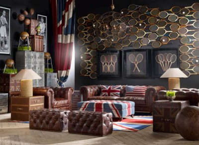 Vintage-Living-Room-Design-With-England-Flag-Nuance-And-Wall-Decoration-In-The-Form-Of-Many-Old-Tennis-Racket-1
