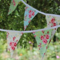 source: https://www.etsy.com/listing/110600535/bunting-in-shabby-chic-retro-floral