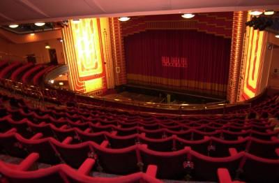 oxford-seedo-oxford-new-theatre-rainy-day-2205-large
