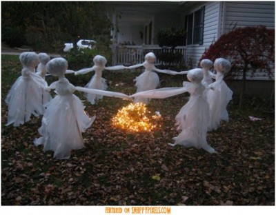 diy-scary-halloween-decorations-outside-13-620x484