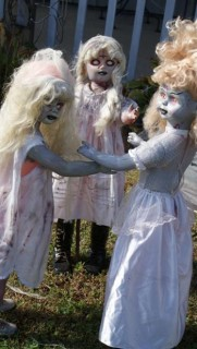 how-to-make-scary-halloween-decorations-1-scary-doll-halloween-decorations-350-x-620