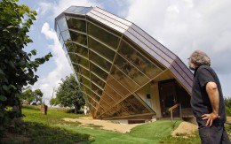 Bio-Climatic-Solar-House