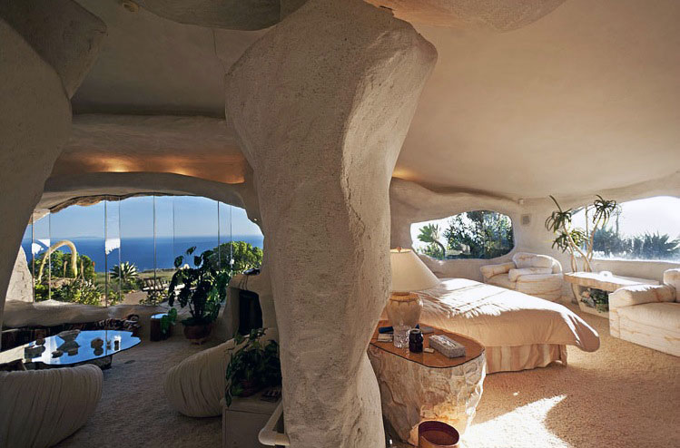 White-Plastered-Walls-of-this-Cave-Flintstone-House