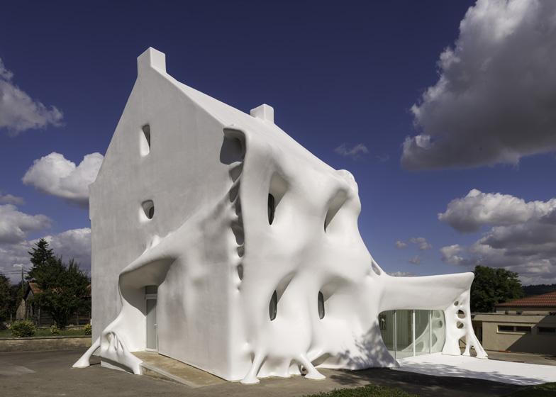 dezeen_Guehost-House-by-Berdaguer-and-Pejus_ss_1