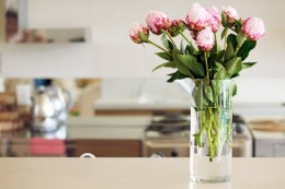 flowers-vase-kitchen-590jn100510