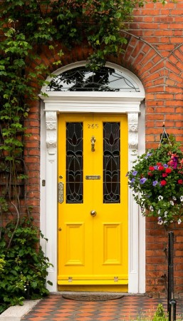 bright-yellow-front-door-victorian