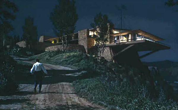North-by-Northwest-Hitchcock-movie-Vandamm-house-3