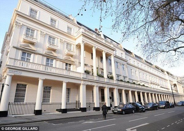 Image source;http://www.dailymail.co.uk/property/article-3843428/Sales-super-luxury-homes-plummet-tax-hikes-economic-uncertainty-bite.html?ITO=1490&ns_mchannel=rss&ns_campaign=1490