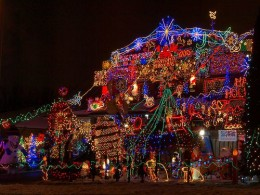 crazy-christmas-house