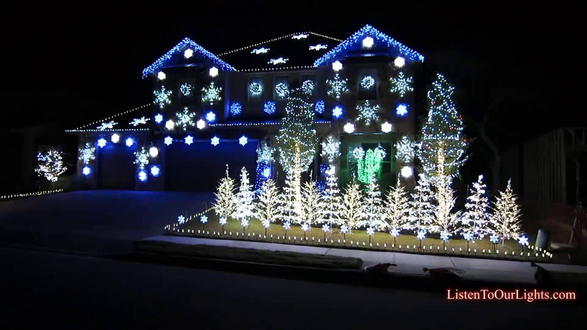 30 Crazy Christmas Houses | The House Shop Blog