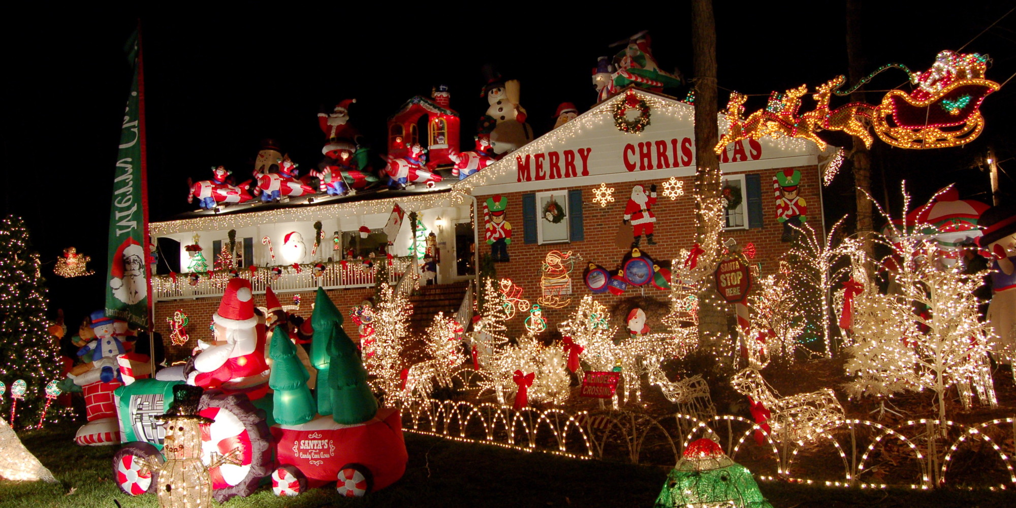 30 crazy christmas houses the house shop blog for Home decorations on sale