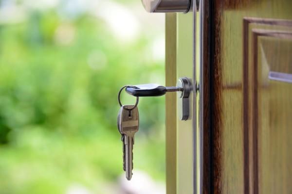key in door image