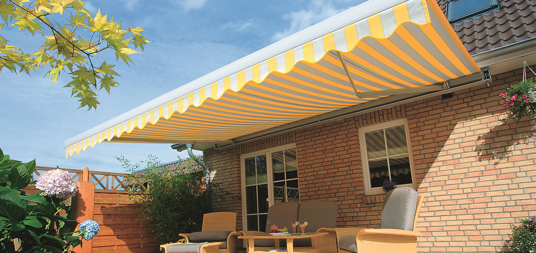 The Many benefits of Choosing Folding Awnings to Create More Space