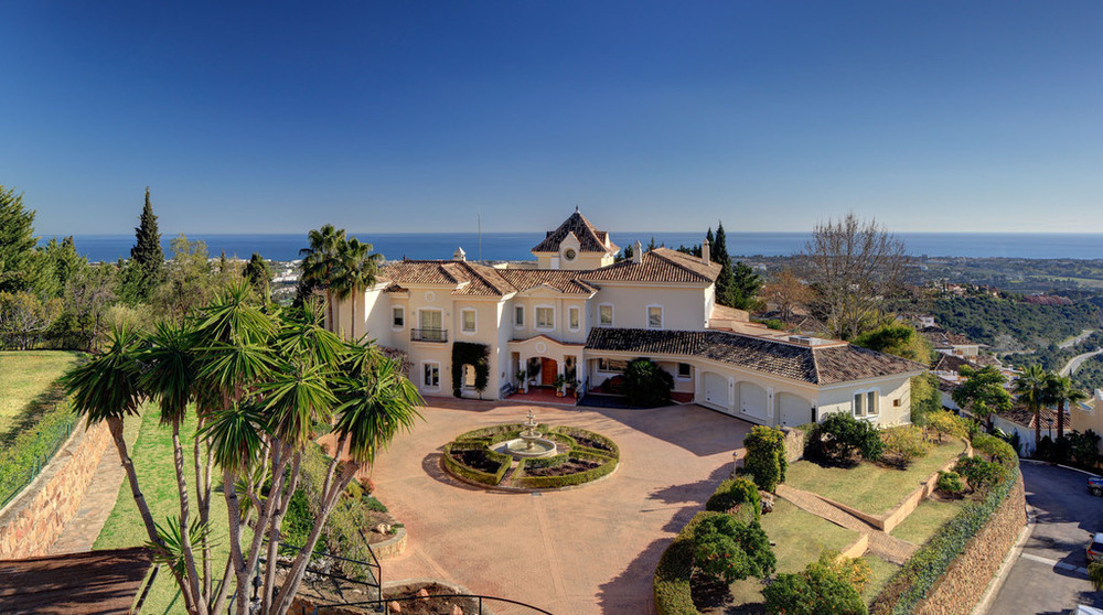 A guide to luxury living in Marbella