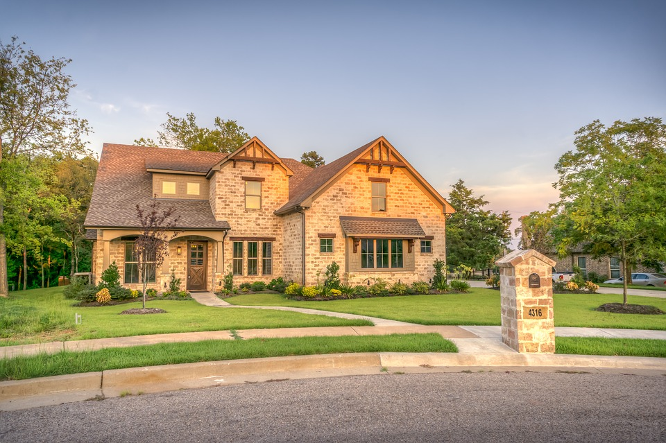 10 Tips to Buy the Property of Your Dreams for Your Family