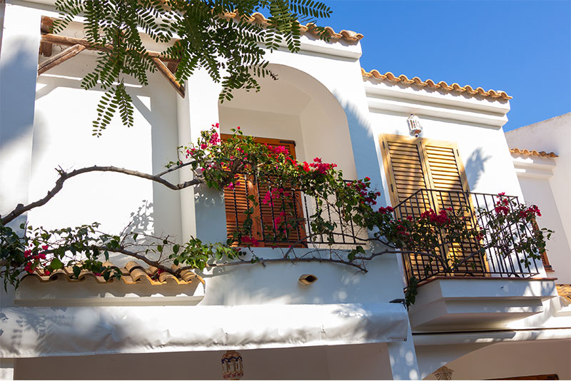 What is the Difference between Living in the UK and Southern Spain?