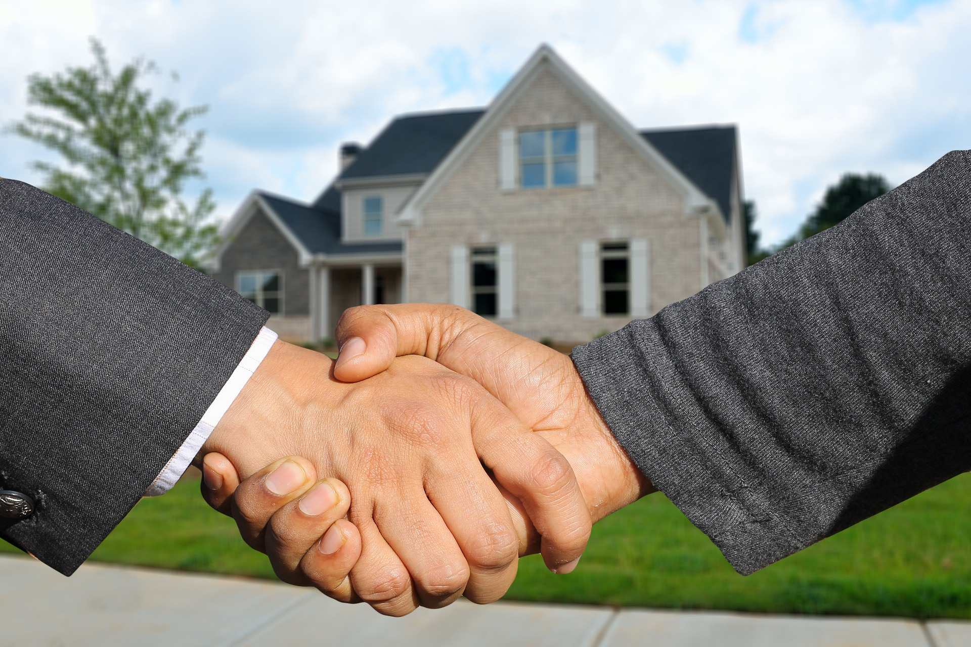 6 Essential Tips On Choosing A Real Estate Broker