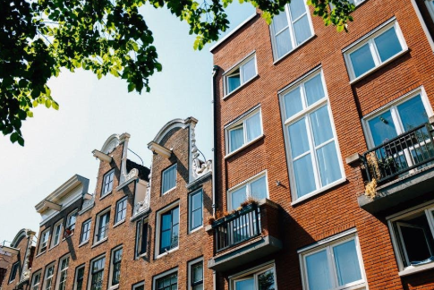 Pros and Cons: Is Buying an Apartment Complex Worth Your Investment?