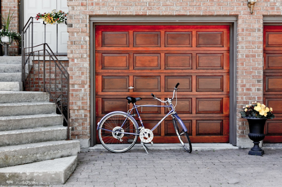 5 Obvious Signs You Need to Replace Your Garage Door